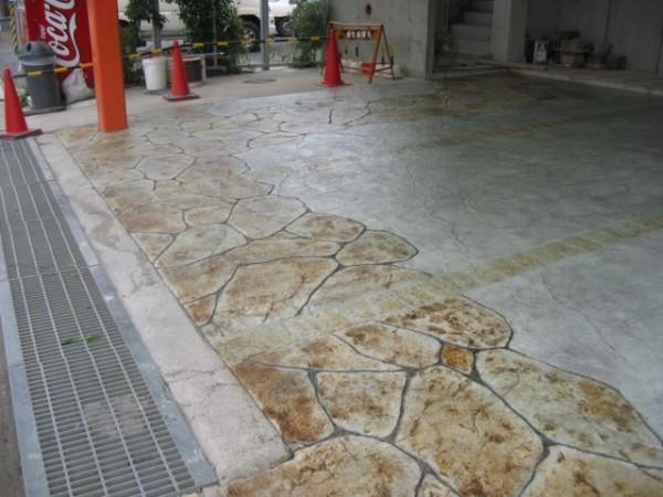 店舗駐車場での事例、コンクリートカービング