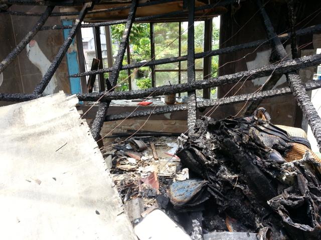 業務内容に関する緊急案内。事務所が全焼しましたが、ここで負けるわけにはいきません。