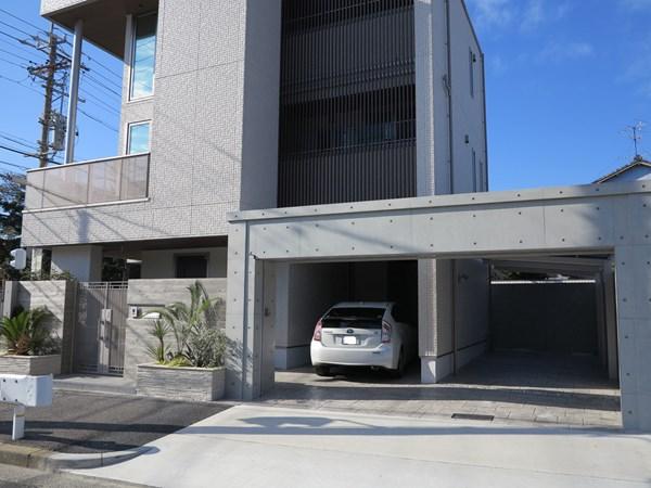 積水ハウス様3階建て新築住宅での、ガレージ駐車場までもが豪華におしゃれになった施工事例