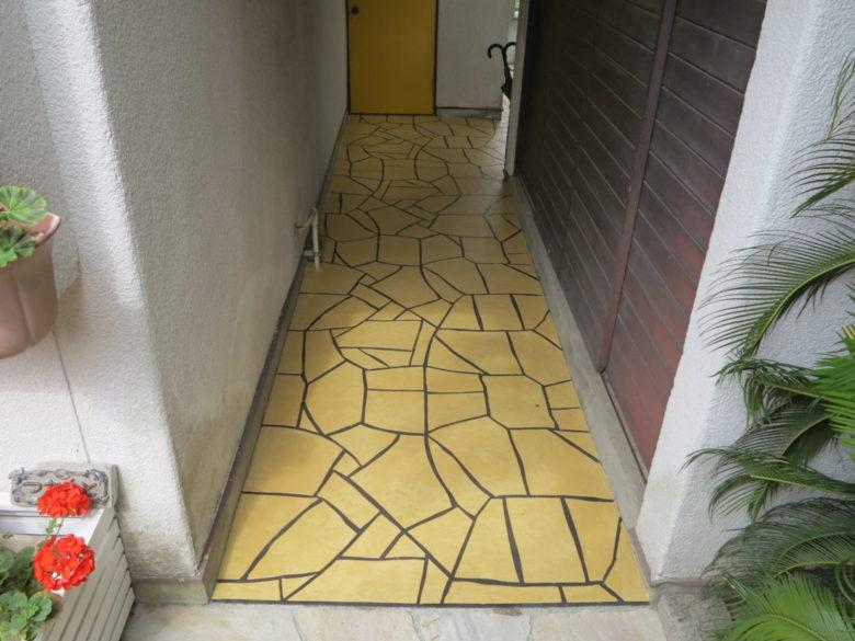 汚れた玄関アプローチを綺麗にした施工事例