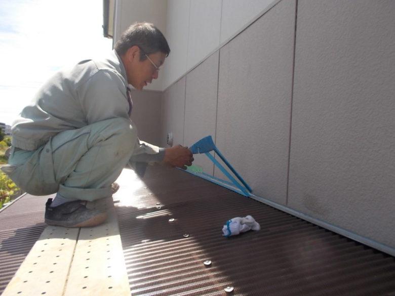 ポリカーボネート製トタン 屋根の防水コーキング工事