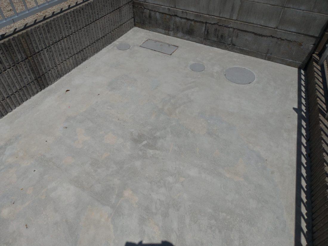 コンクリート塗装剥がれ