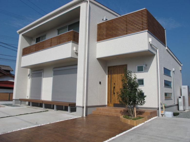木目ウッド調・枕木風のデザインコンクリートの施工実例をアップしました