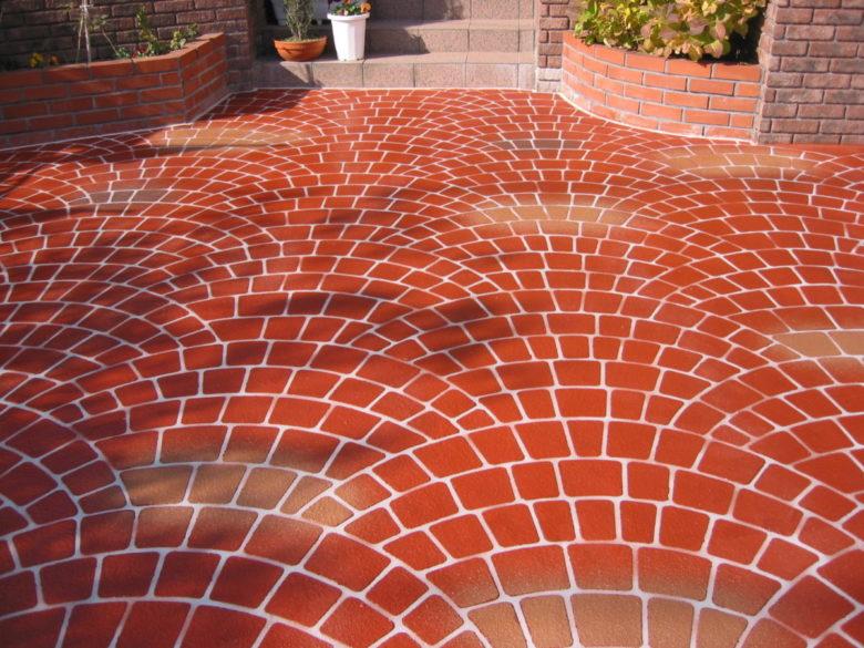 古くなった土間のコンクリートも外壁塗装と同じように塗り直ししませんか