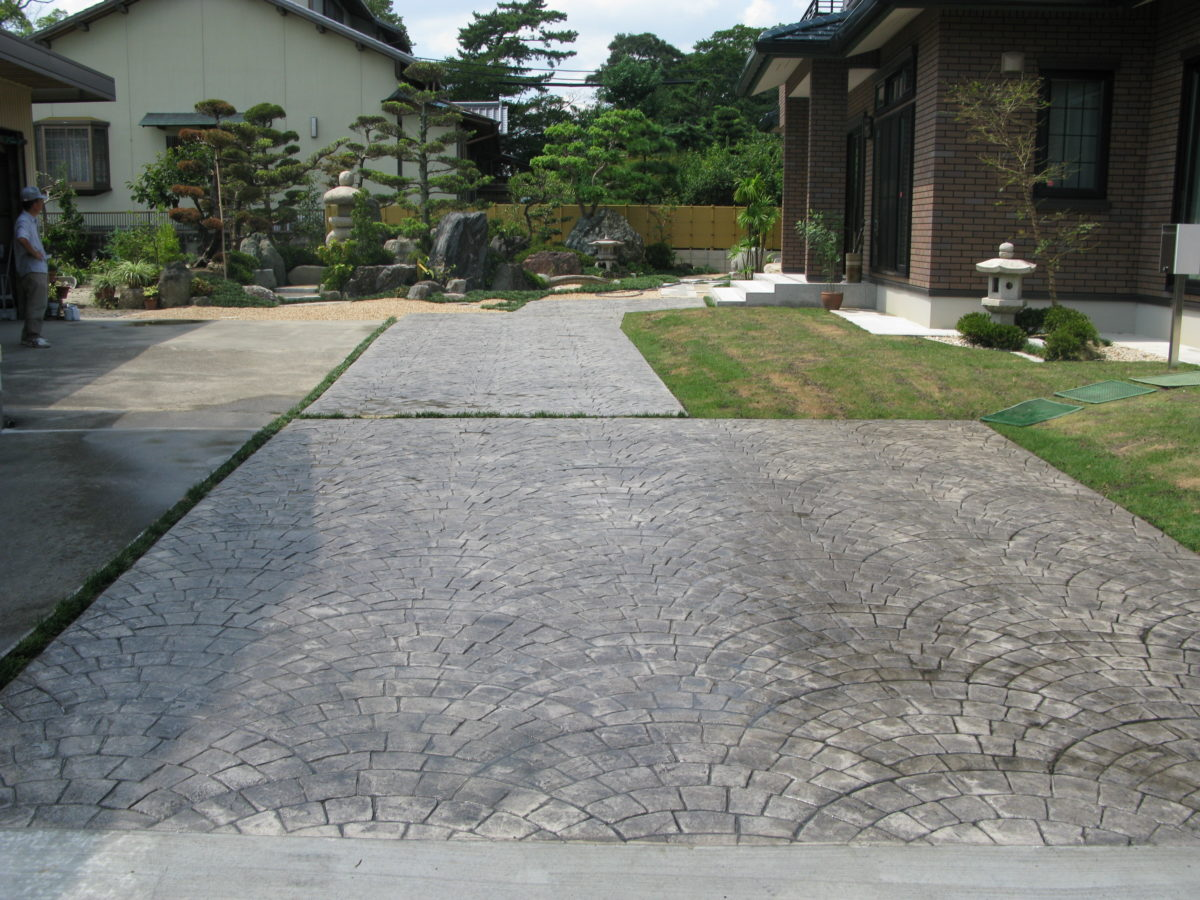 おしゃれな舗装材 コンクリート