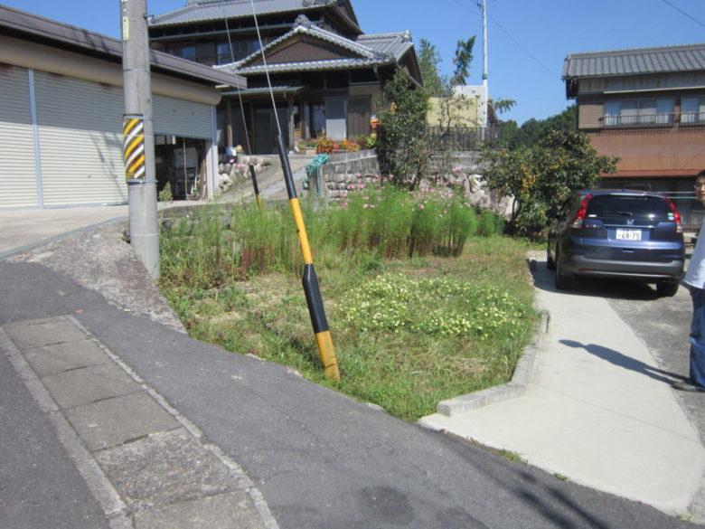 敷地にある空き地をいちめん、土間コンクリートの駐車場に拡張増設した整備工事